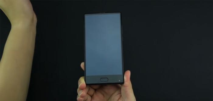 безрамочный смартфон bluboo s1