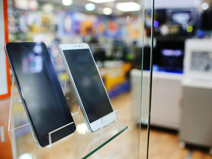 серые телефоны
