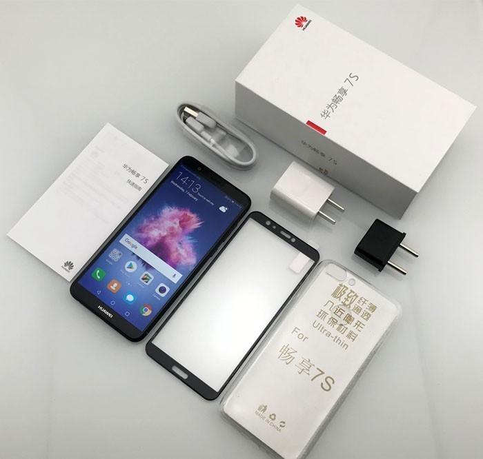 обзор смартфона Huawei P Smart