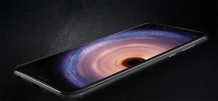 Металлический смартфон Huawei Honor Play