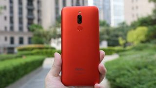 Meizu анонсировала бюджетный смартфон с большим дисплеем