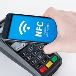 16 доступных смартфонов с модулем NFC
